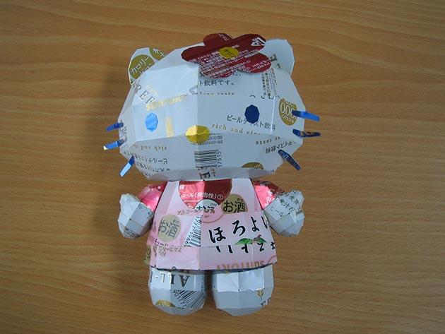 makaon hello kitty Japonés recicla latas haciendo figuras de Super Mario, Pokémon, Totoro...