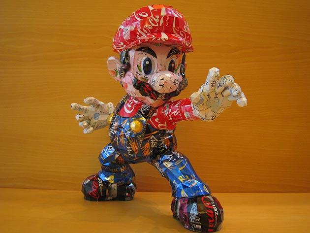 makaon mario bros 01 Japonés recicla latas haciendo figuras de Super Mario, Pokémon, Totoro...