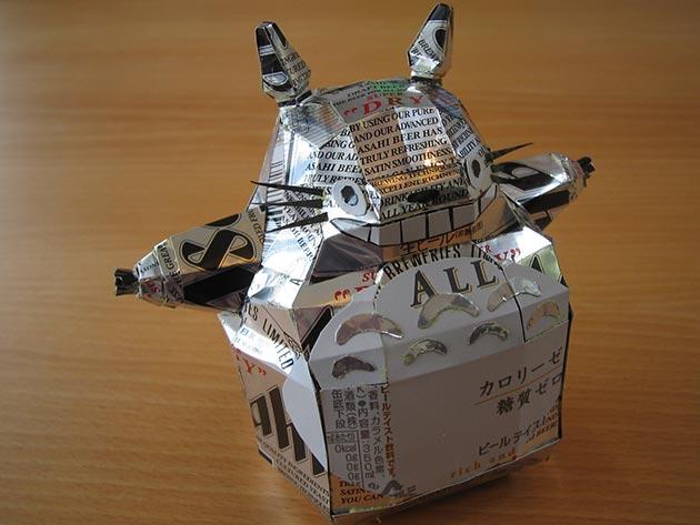 makaon totoro Japonés recicla latas haciendo figuras de Super Mario, Pokémon, Totoro...