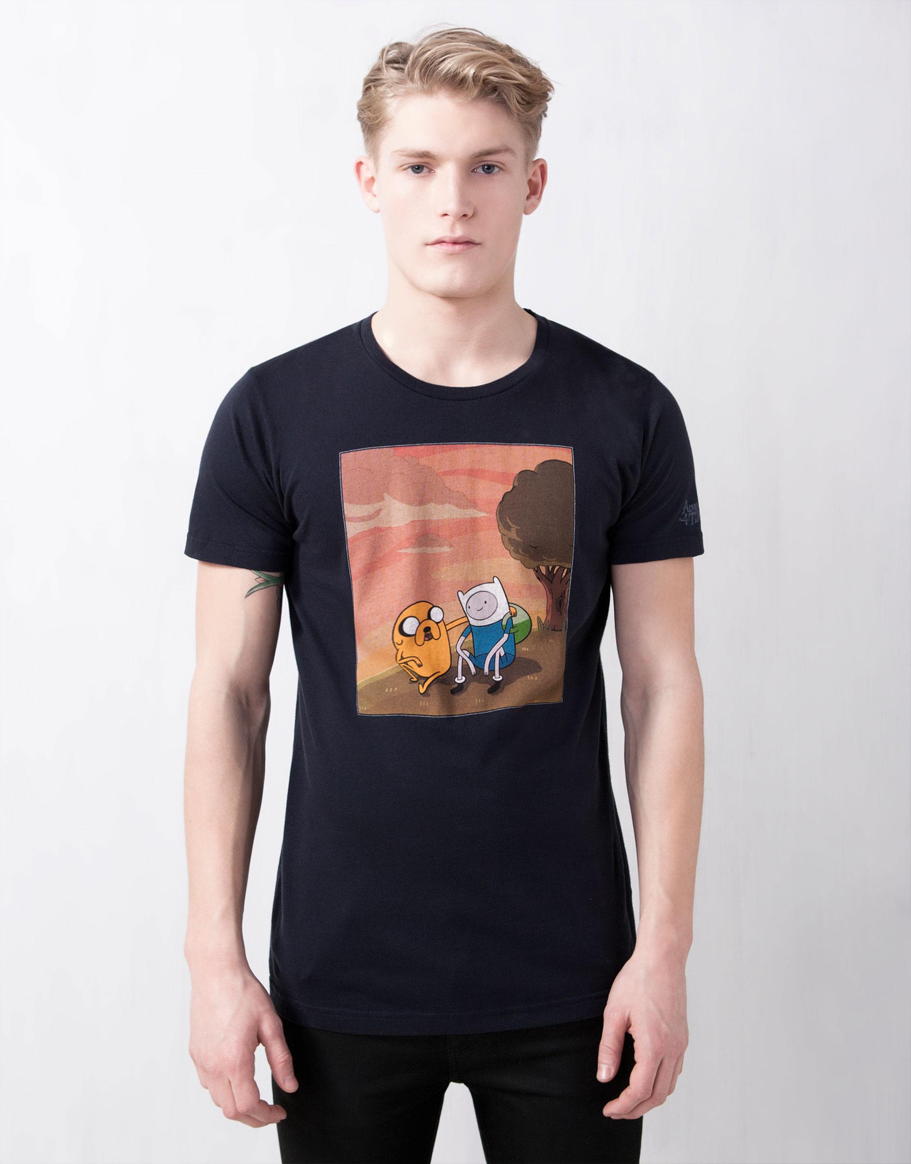 disponibilidad en el reino unido 15960 dc1cf Camisetas de 'Hora de Aventuras' en Pull and Bear