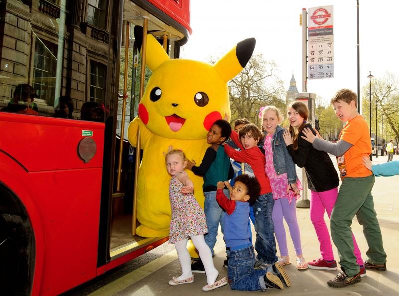 Pikachu-kids-bus-4
