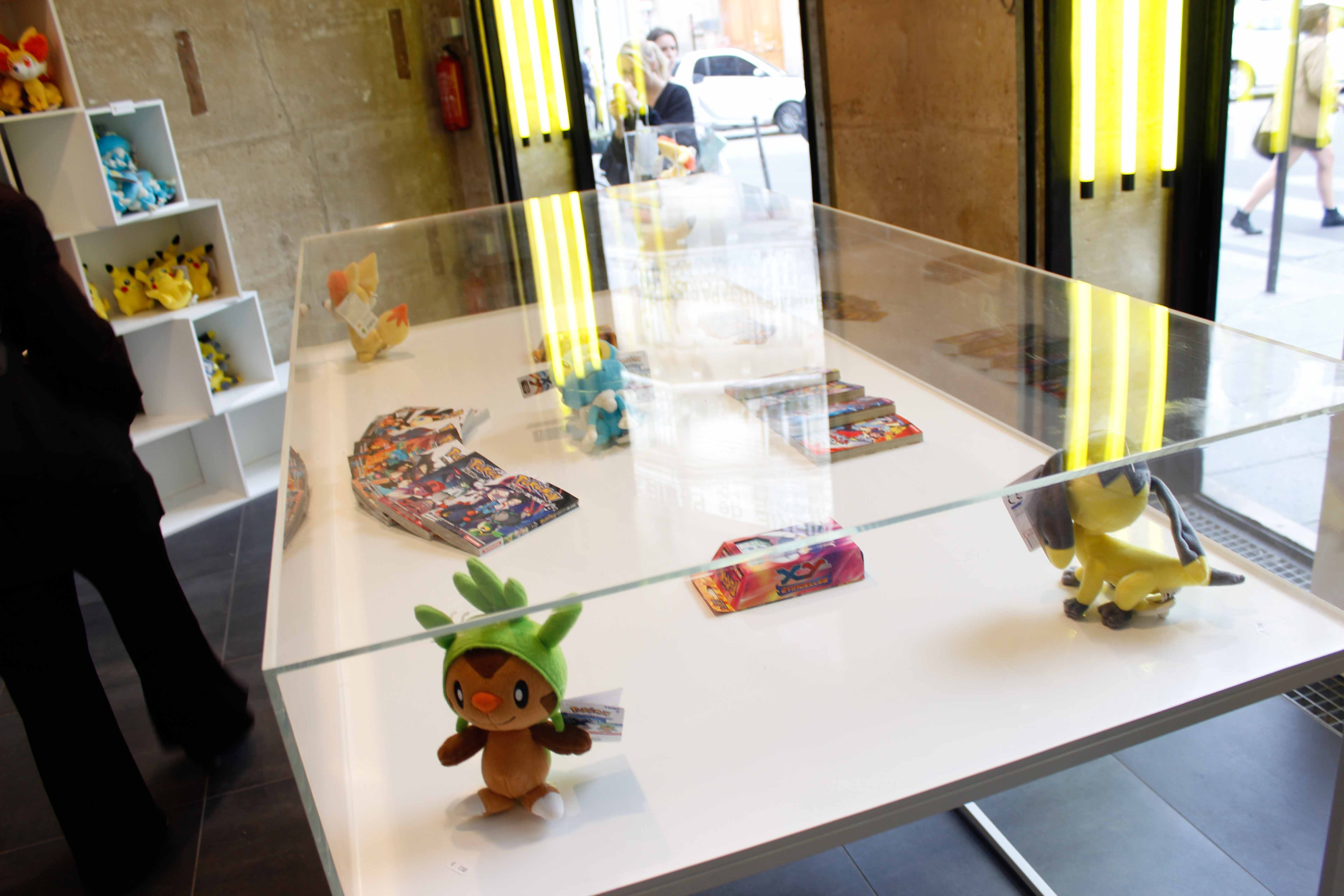 Pokemon_center_Paris-87