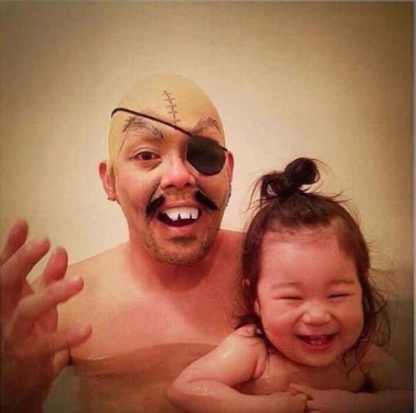 Padre japones hija bano ashita no joe