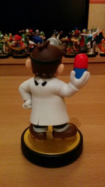 Amiibo de Dr Mario 03